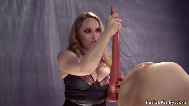 Dom in fishnets anal.. amateur anal bdsm