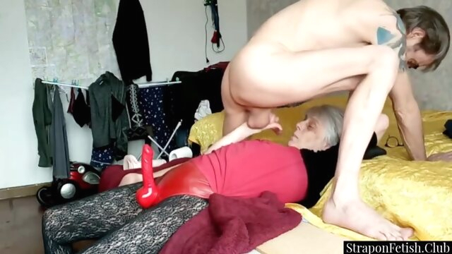 Dominant GILF Strapon.. amateur anal bdsm
