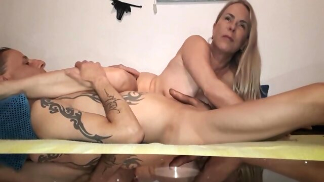 Hausbesuch 69 amateur blonde mature