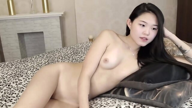 Young Hot Asian.. amateur asian brunette